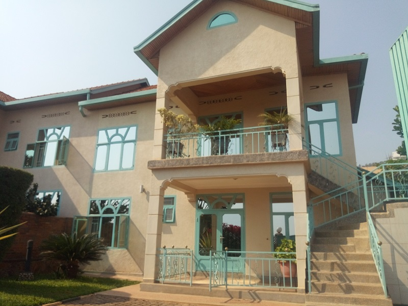 A FURNISHED 3 BEDROOM HOUSE FOR RENT AT GIKONDO
