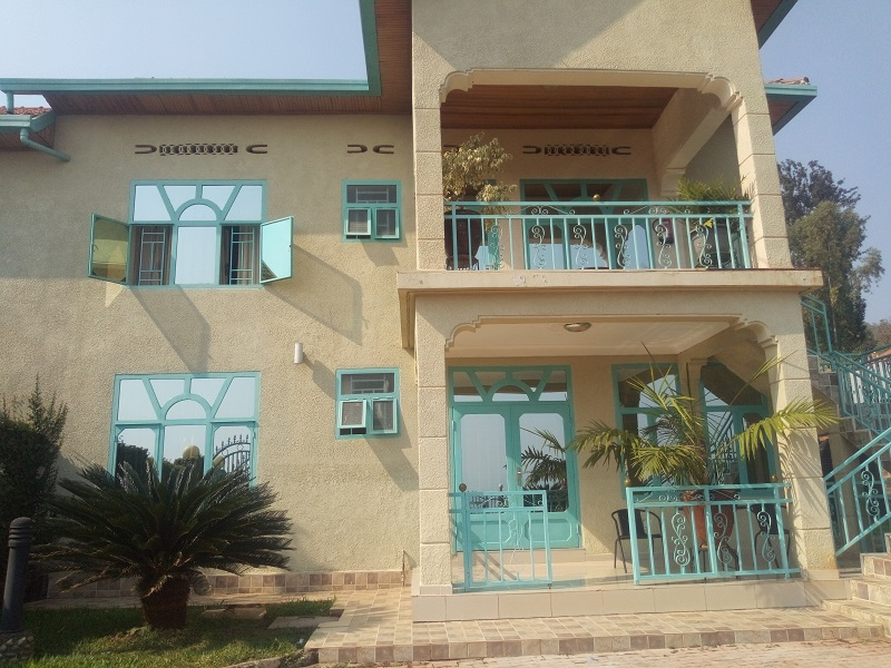 A FURNISHED 3 BEDROOM APARTMENT FOR RENT AT GIKONDO