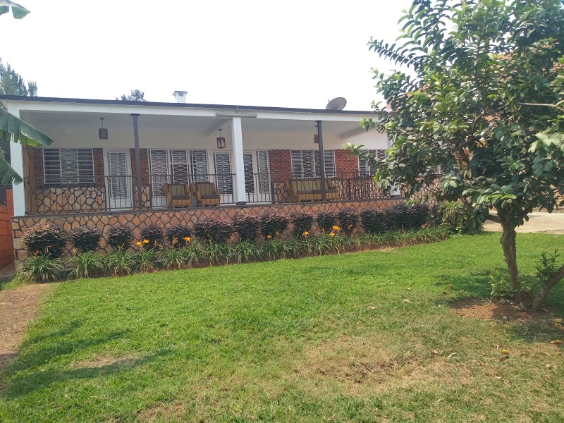 A 3 BEDROOM HOUSE WITH SPACIOUS GARDEN AT KIMIHURURA