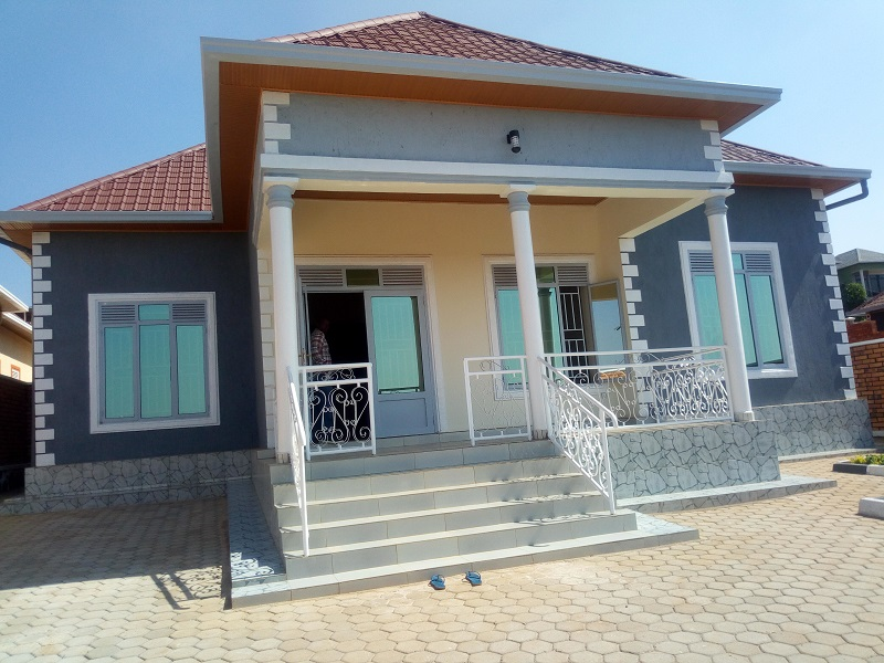 A 5 BEDROOM HOUSE FOR SALE AT KICUKIRO