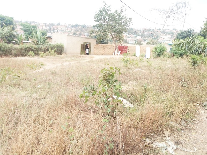 A RESIDENTIAL PLOT FOR SALE NEAR KWA NAYINZIRA