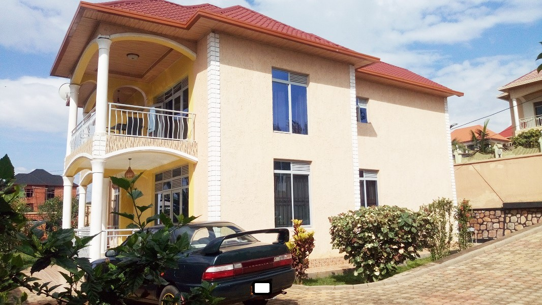 A 5 BEDROOM HOUSE WITH DECENT FURNITURE AT RUSORORO