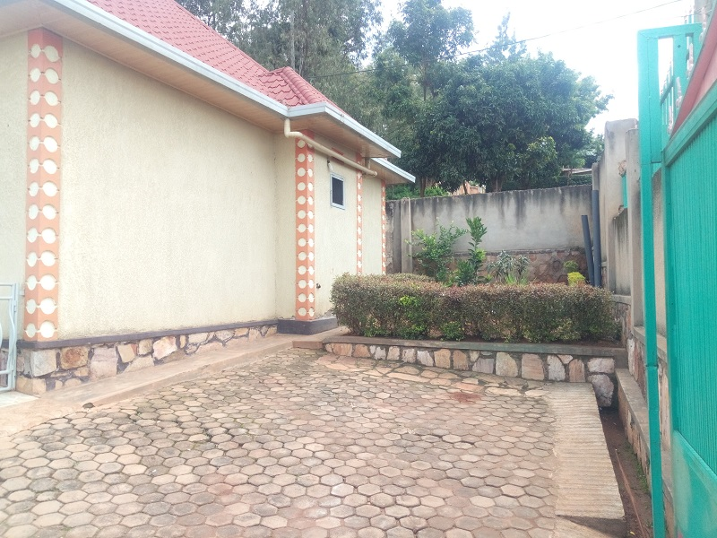 A 3 BEDROOM HOUSE FOR SALE AT KICUKIRO