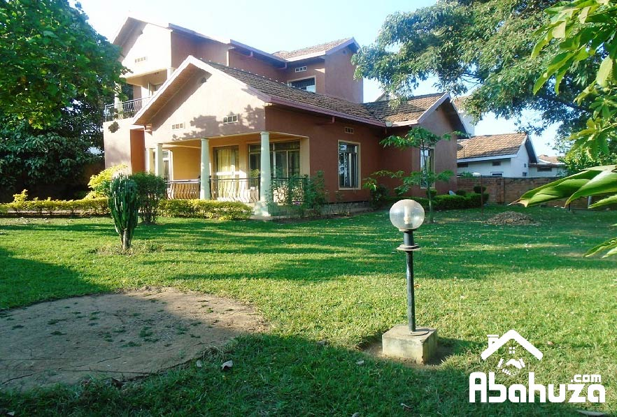 A FURNISHED 3 BEDROOM HOUSE FOR RENT AT GACURIRO