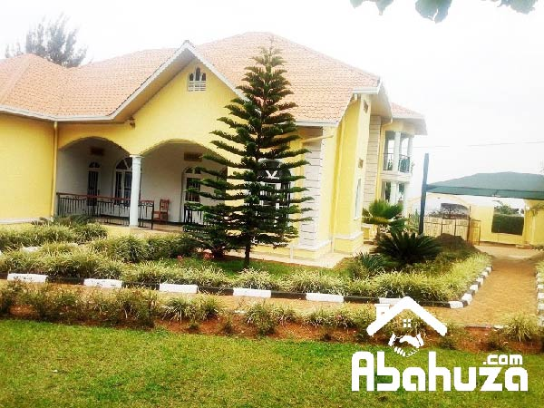 A 6 BEDROOM HOUSE FOR RENT AT REBERO