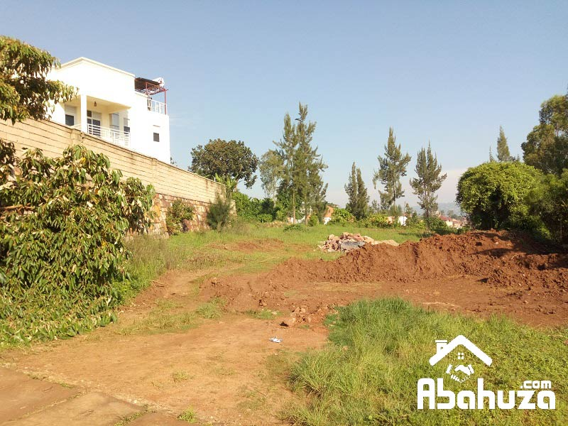 A NICE BIG PLOT FOR SALE ON ASPHART ROAD AT GISOZI
