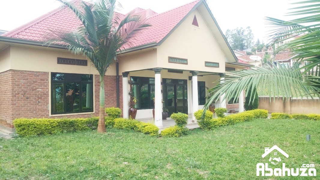 A 5 BEDROOM HOUSE IN BIG COMPOUND AT KIBAGABAGA