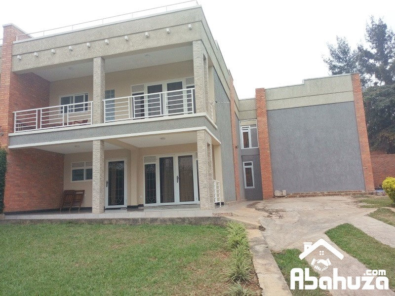 A 4 BEDROOM HOUSE FOR RENT AT KIMIHURURA