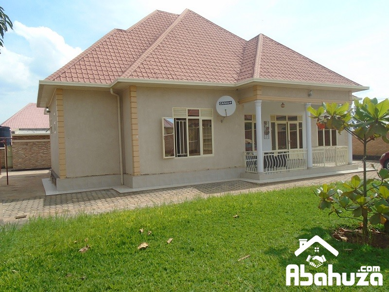 A 4 BEDROOM HOUSE FOR SALE IN KIGALI AT KANOMBE