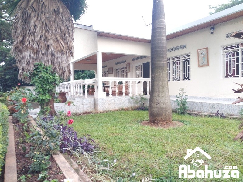 A FURNISHED 4 BEDROOM HOUSE FOR RENT IN KIGALI AT KIMIHURURA