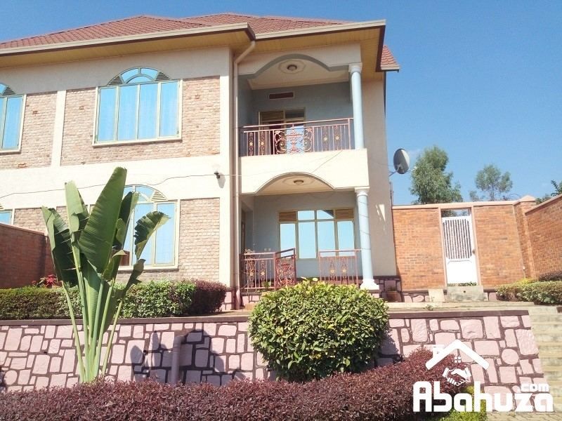 A FURNISHED 4 BEDROOM HOUSE FOR RENT IN KIGALI AT REBERO