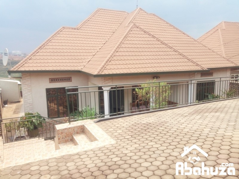 A FURNISHED 4 BEDROOM HOUSE FOR RENT AT KANOMBE