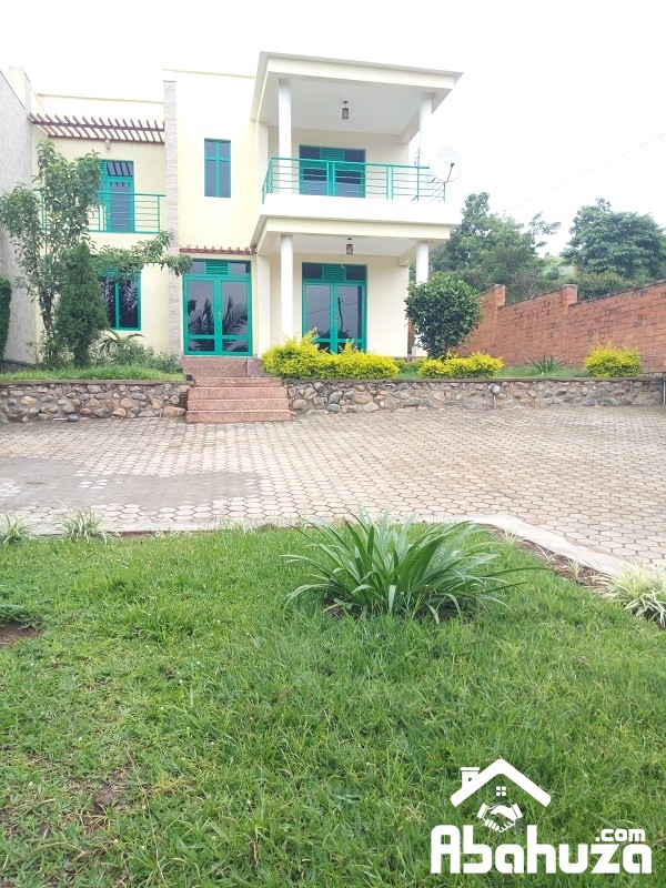 A FURNISHED 4 BEDROOM HOUSE FOR RENT IN KIGALI AT KIBAGABAGA