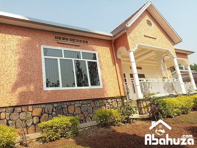 A 5 BEDROOM HOUSE FOR RENT IN KIGALI AT KIYOVU