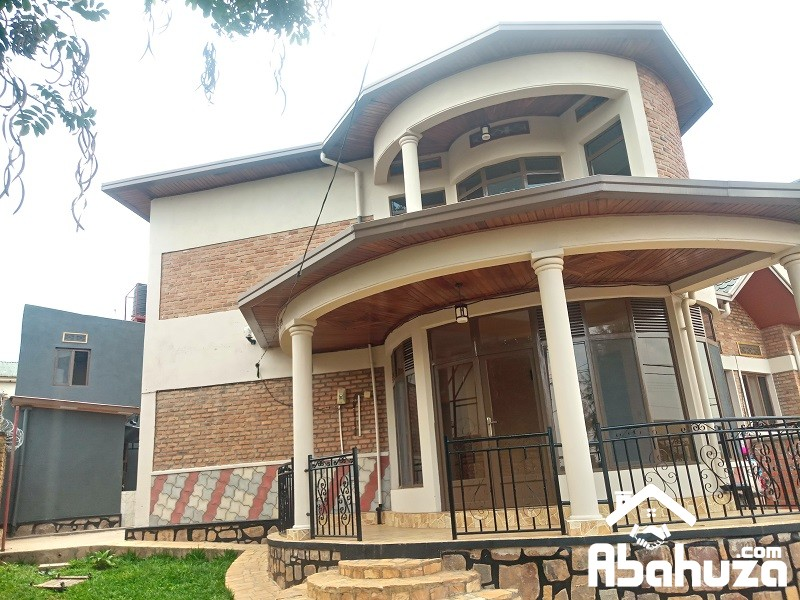A 4 BEDROOM HOUSE FOR RENT IN KIGALI AT KIMIRONKO