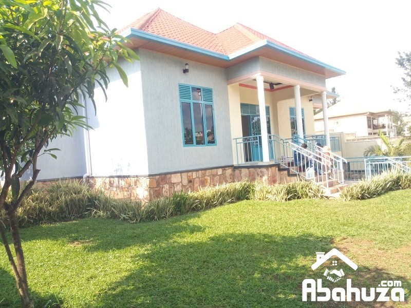A 5 BEDROOM HOUSE FOR RENT IN KIGALI AT NYARUTARAMA