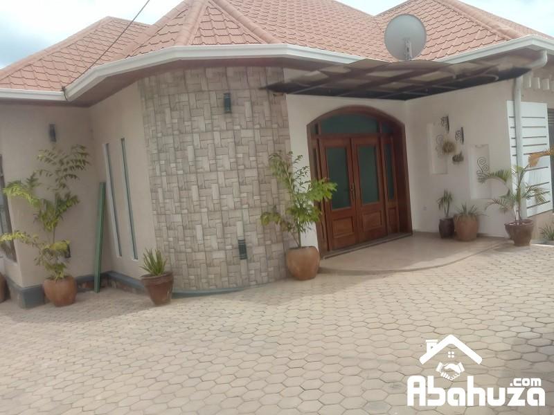 A NEW FURNISHED 3 BEDROOM HOUSE IN KIGALI AT KIBAGABAGA