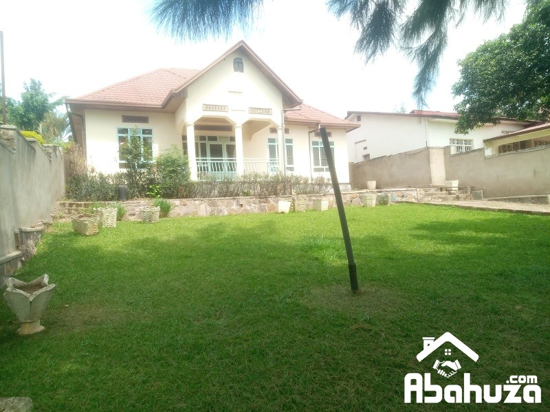 A 4 BEDROOM HOUSE FOR RENT IN KIGALI AT KACYIRU