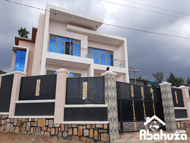 A NEW FURNISHED HOUSE OF 8 BEDROOMS IN KIGALI AT NYARUTARAMA
