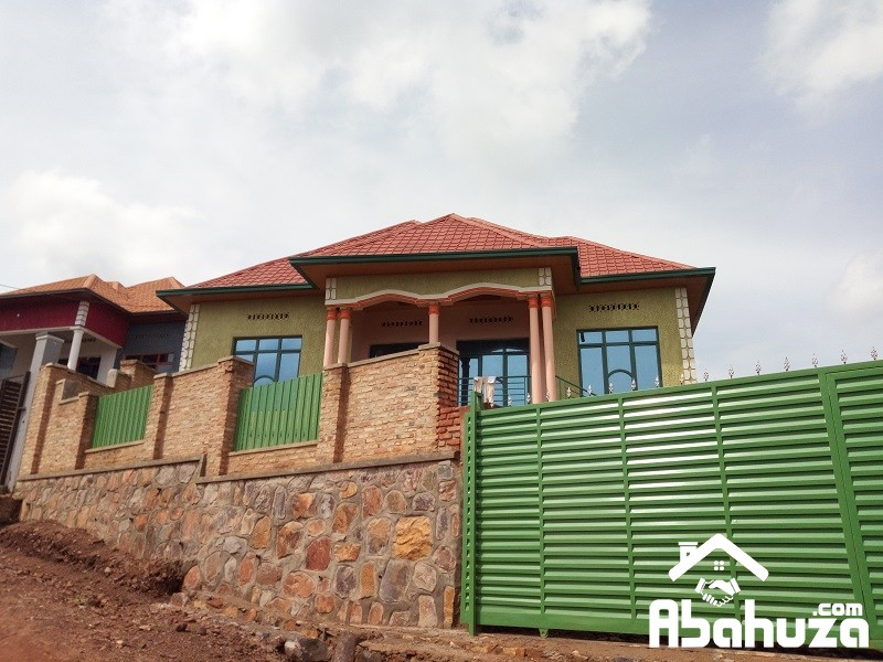 A 4 BEDROOM HOUSE FOR SALE IN KIGALI AT MASAKA