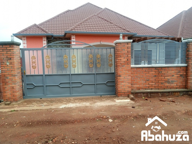 A NEW 5 BEDROOM HOUSE FOR SALE IN KIGALI AT KAGARAMA