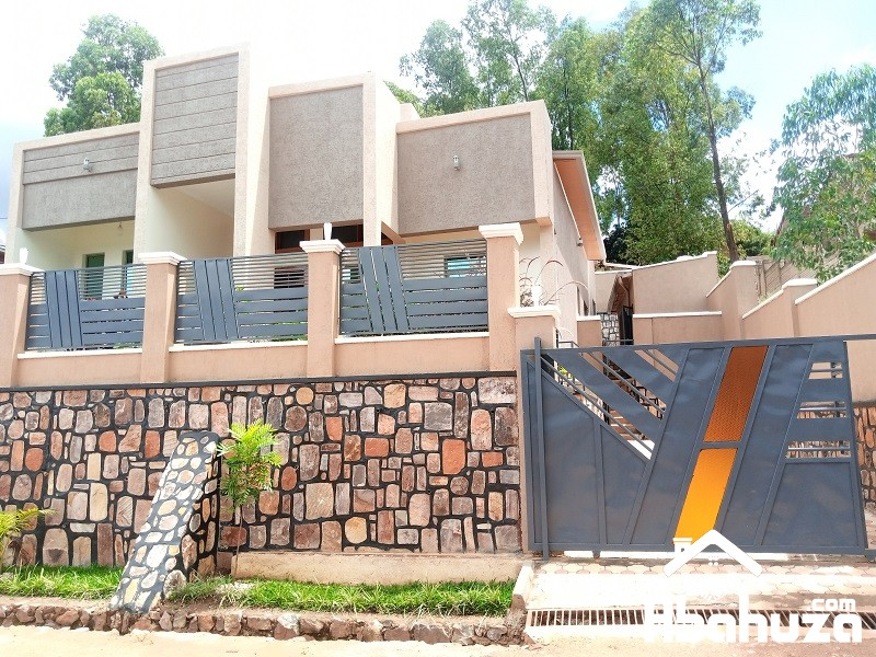 A NEW 4 BEDROOM HOUSE FOR SALE IN KIGALI AT GACURIRO