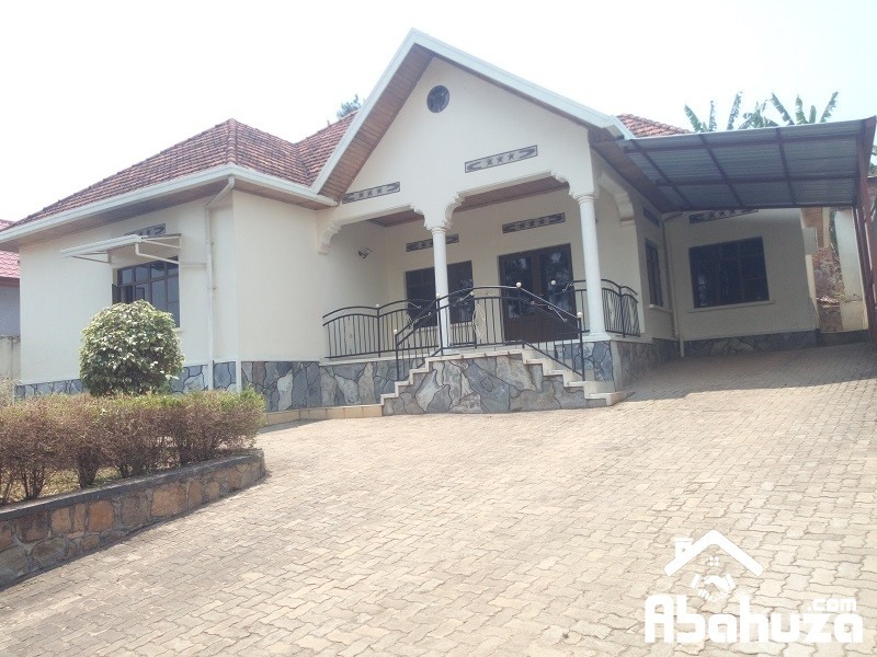 A 5 BEDROOM HOUSE FOR RENT AT REMERA