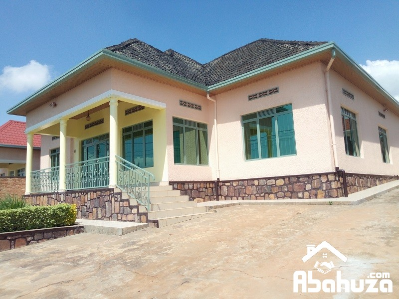 A 5 BEDROOM HOUSE FOR RENT IN KIGALI AT KIMIRONKO
