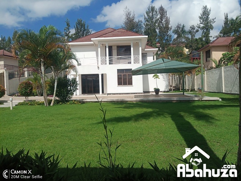 A FURNISHED HOUSE FOR RENT WITH POOL IN KIGALI AT NYARUTARAMA
