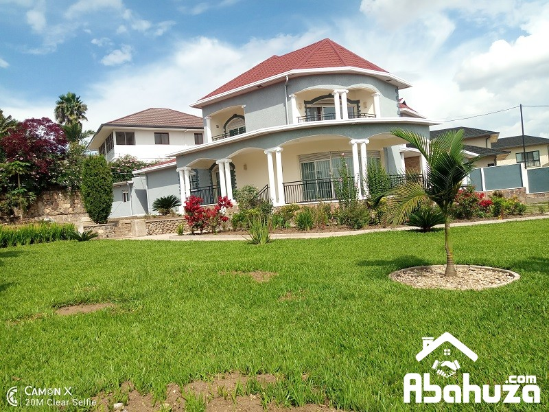 A FURNISHED 5 BEDROOM HOUSE FOR RENT IN KIGALI AT NYARUTARAMA