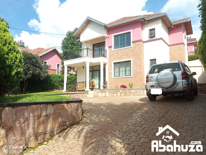 A 4 BEDROOM HOUSE FOR SALE IN KIGALI AT REBERO