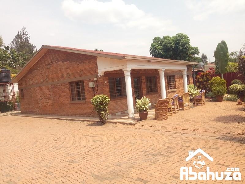 A FURNISHED 3 BEDROOM HOUSE FOR RENT IN KIGALI AT KACYIRU