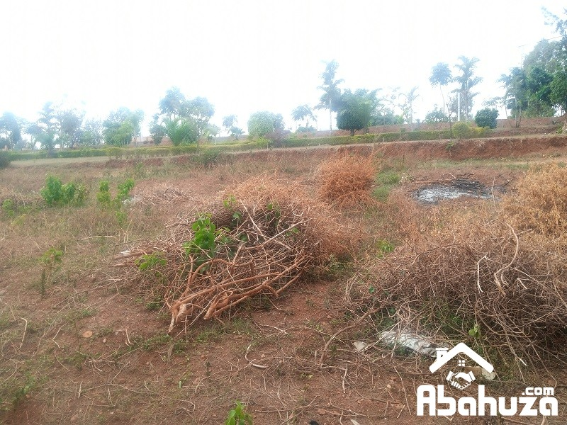 A RESIDENTIAL PLOT FOR SALE ON THE MAIN ROAD AT NYANZA, KICUKIRO