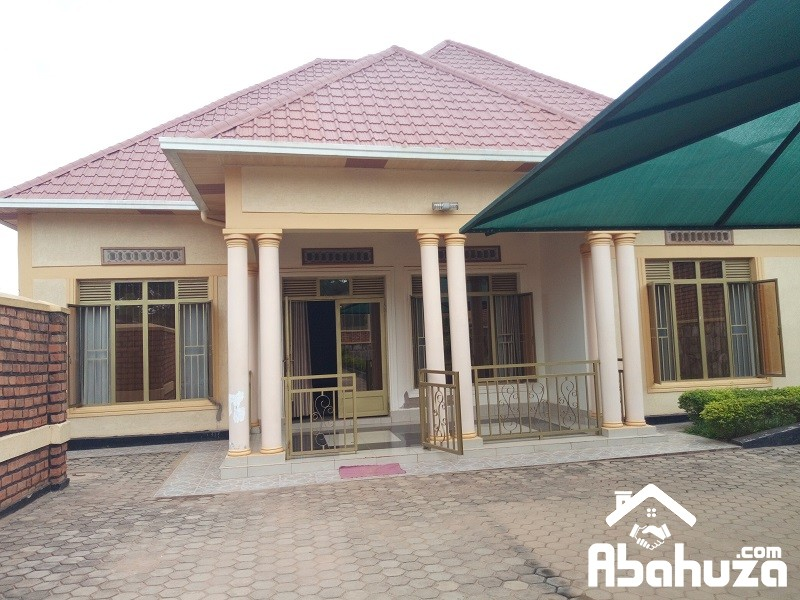 A NICE 4 HOUSE FOR SALE AT KIBAGABAGA