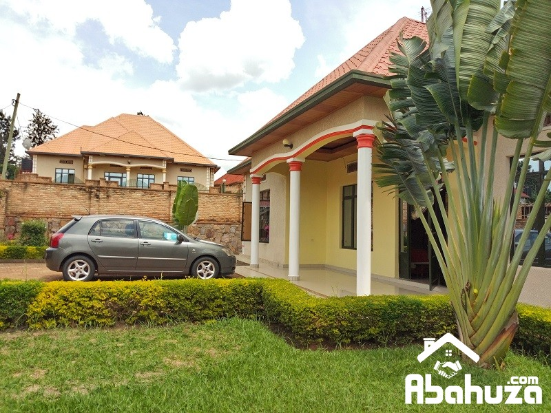 A NICE HOUSE FOR SALE  IN KIGALI IN BIG PLOTAT KANOMBE
