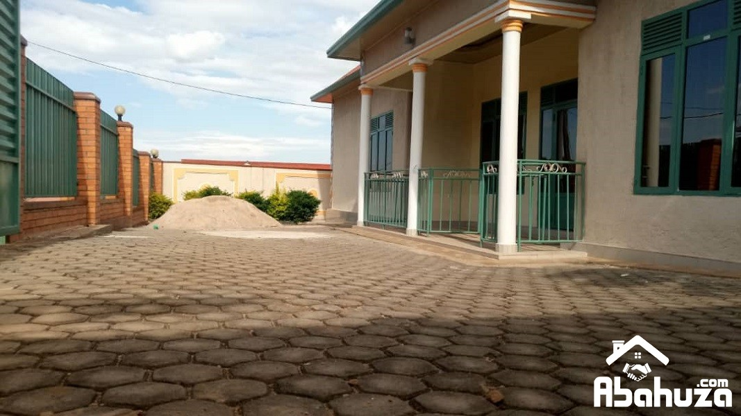 A GOOD PRICE HOUSE CLOSER TO ASPHALT ROAD