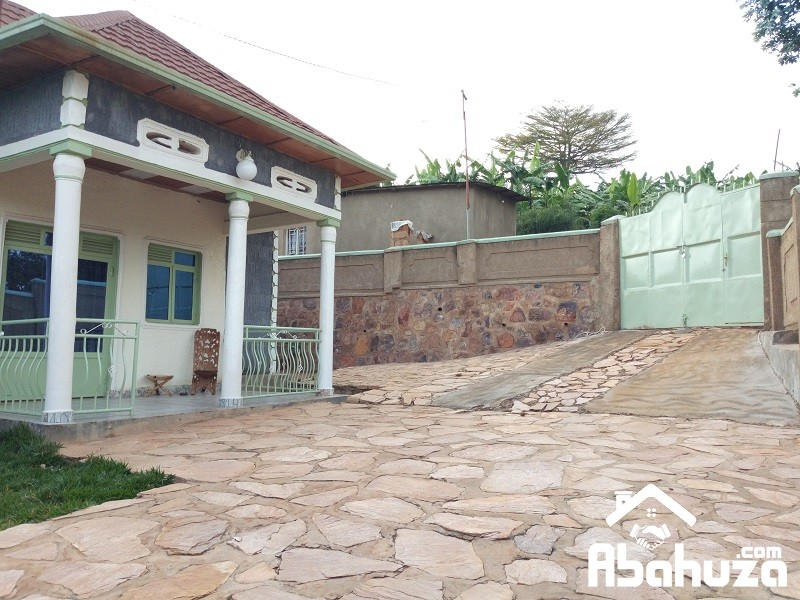 A GOOD PRICE HOUSE FOR SALE  IN KIGALI AT BUSANZA