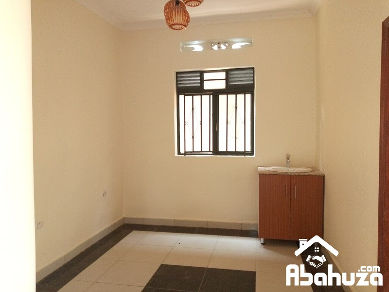 A NEW GOOD PRICE HOUSE IN A BIG COMPOUND