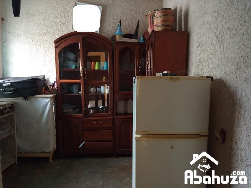 8. Kitchen space